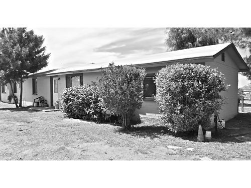 COUNTRY LIVING Furnished Small 1BR duplex located off I-10  Redrock 600month includes all uti