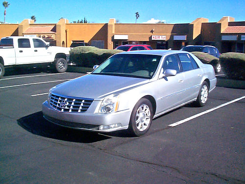 2010 CADILLAC DTS loaded new tires  battery clean inside  out low miles Northstar V8 motor