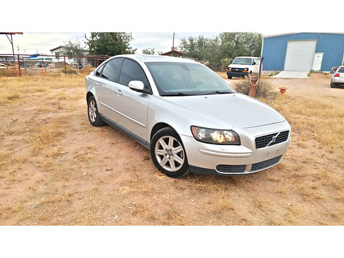 2007 VOLVO S40 24L Automatic Ac all options every thing works Nice shape runs and drive excelle