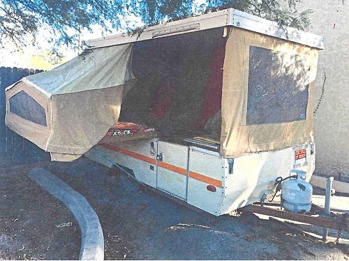 1978 BETHANY pop-up trailer sleeps 6 very good shape 1800 OBO