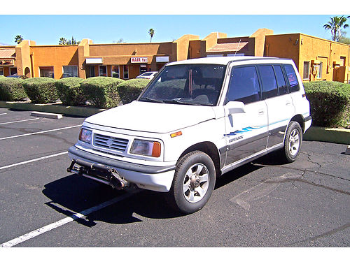 1995 SUZUKI SIDEKICK JLX AT 4WD 175K miles runs good most of it was being towed by RV 4300 fir