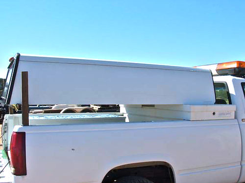CAMPER SHELL by Gem Top fits S10 type pickups very clean front window  tailgate window Very Goo