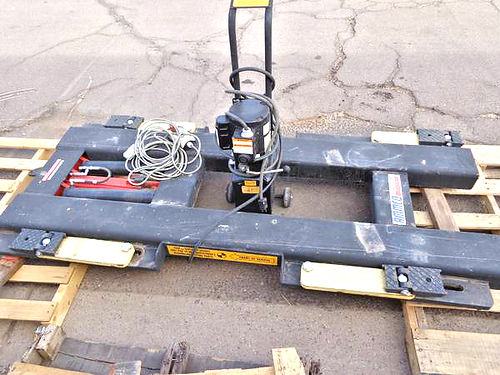 AMMCO AUTO Lift Model 6500 Portable Auto Lift like new condition lifts 6500lbs rises to 53  5