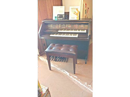KAWAI organ with original manual and extras includes bench 1500 520 401-8562 LM