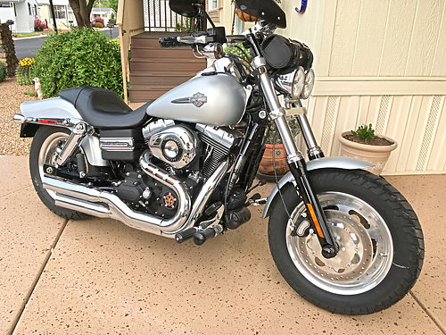 2010 HARLEY DAVIDSON Fat Bob Like New 8K Miles Senior Owned Never Down Many Extras Dont Miss