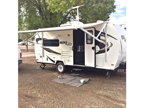 2012 ROCKWOOD Lite 19ft excellent condition easy towing loaded slide-out auto awning new 6-p