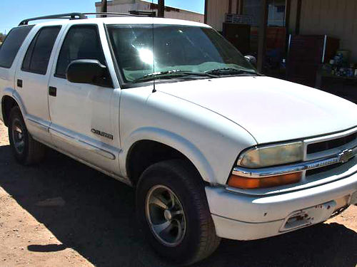 2003 CHEVROLET Blazer 4-door 2wd 50K miles Excellent Shape just passed emissions excellent tir