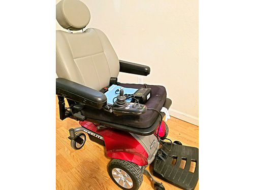 JAZZY SELECT ELITE 365 Electric Wheelchair wCharger  Manual Like New Used Only 25 Hrs 300 Pound