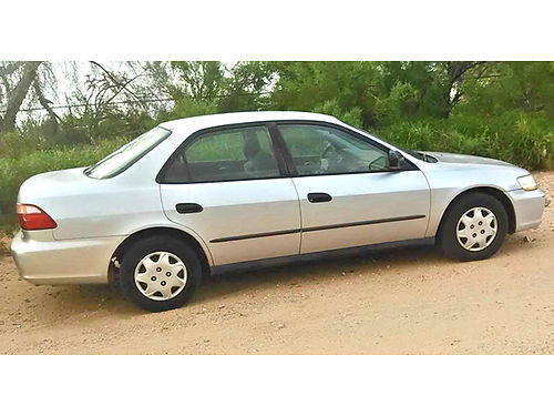 2000 HONDA Accord 4-door AT AC PS 117K miles new battery just emissions very good tires run