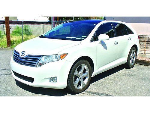 2009 TOYOTA Venza wagon AWD loaded with every option available mint condition 10995