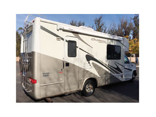 2004 THOR FOURWINDS Chateau Citation 24- Ford E350 chassis sleeps 4 1-slide