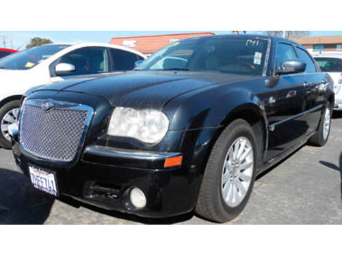 2006 CHRYSLER 300 leather moonorof  more 9995 0898531242 SBCARCO 1001 West Main St Santa