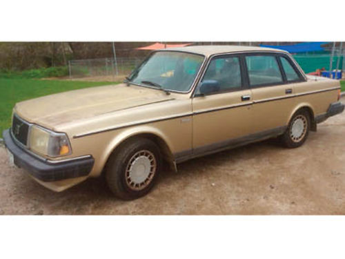 1989 VOLVO 240 Smooth 5 speed Power everything Solid engine 164K Recent smog Asking 1200 Pur
