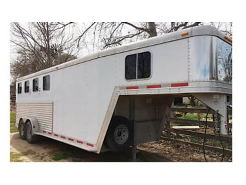 2006 FEATHERLITE 4 horse trailer with ramp Very good condition 14000 OBO Connie