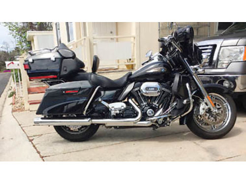 2013 CVO Ultra Classic Limited Anniversary model FLHTCUSE8 with 19500 miles 699 of 1100 made sold