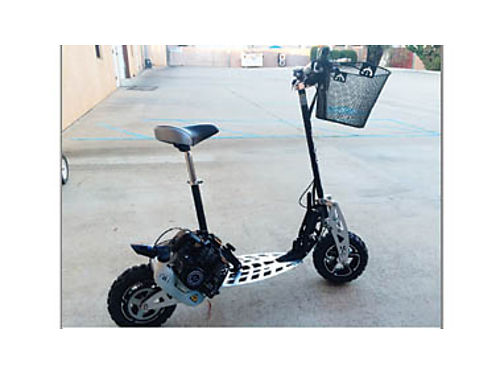 2-SCOOTERS New Puzey Gas Scooters 49cc 2-speed manual trans collapsible for easy transport take