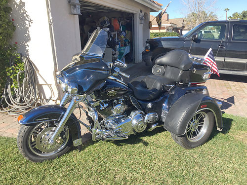 2012 HARLEY DAVIDSON TRIGLIDE ULTRA - Willie G Edition 6 spd wreverse fully chromed cruise amf