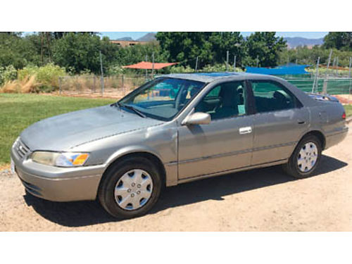 1997 TOYOTA CAMRY 205k miles V6 auto trans Power window locks sunroof Cold AC smogged 52217