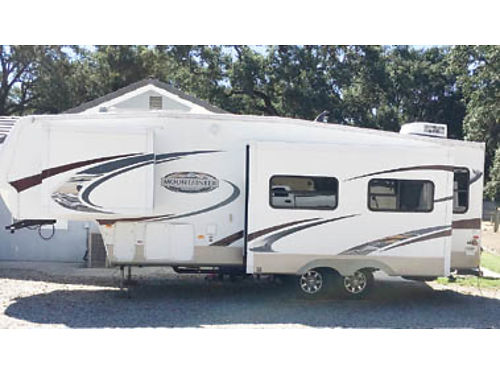 2009 MONTANA MOUNTAINEER 31ft 5th Wheel loaded in very good shape used little new tires new aw