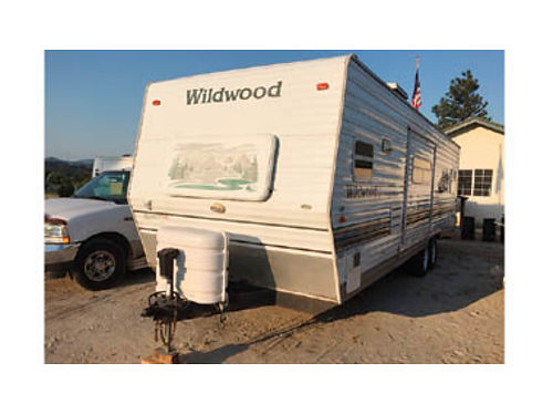 2005 WILDWOOD TRAILER 26ft nice floorplan  storage very liveable or travel to anywhere 9500 o