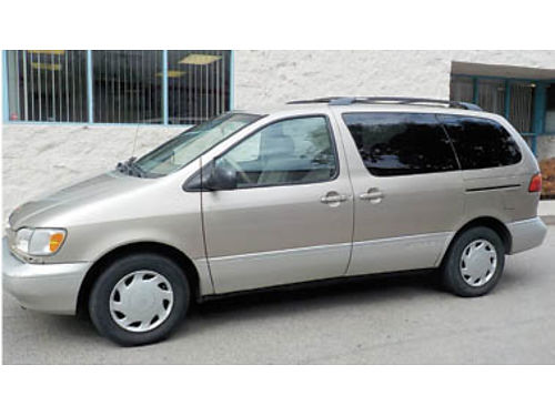 2000 TOYOTA SIENNA XLE approx 180K AC amfm stereo runs great smogged PW Pseats no accidents