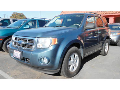 2010 FORD ESCAPE XLT AT loaded one owner mint condition 8995 A15175 SBCARCO 1001 West Main