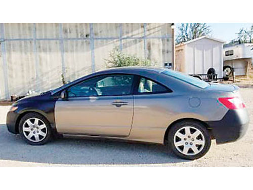 2007 HONDA CIVIC LX Coupe 18L AT 102K miles needs body work on right rear panel  paint New fen