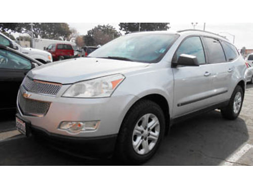 2009 CHEVY TRAVERSE AT V6 mint condition 8 passenger 8995 139371 SBCARCO 1001 West Main St