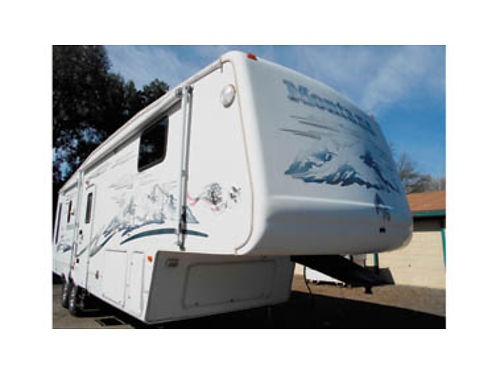 2006 MONTANA Alum Frame 32 5th wheel 3 slides self-contained fully outfitted 20000 obo 8