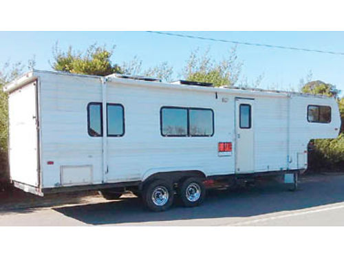 1998 WARRIOR Toy Hauler 5th Wheel 30 400W solar 2000 E Controller 3 12V Deka batts 2000W inv