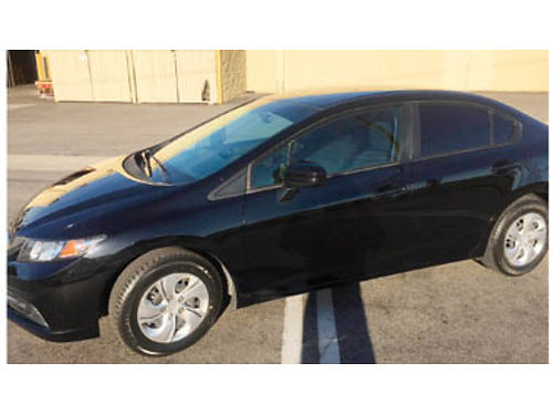 2015 HONDA CIVIC Great mileage Stick shift Backup cam Bluetooth and much more 12500 obo 805-6