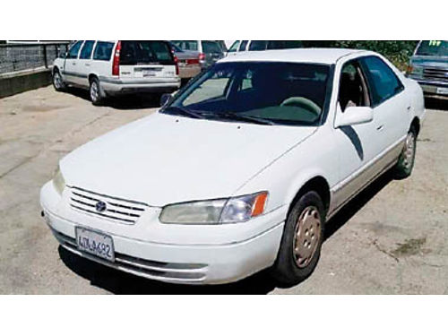 1998 TOYOTA CAMRY AT PS Cold AC amfm stereo new battery Passes smog 1500 Purchase supports