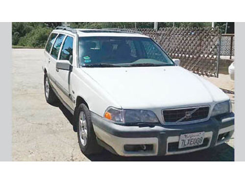 1998 VOLVO V70 station wagon clean interior and exterior cold AC recent tune up runs great 17