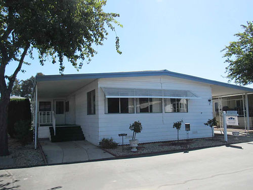 SPACE 131 1972 Skyline 22 mobile home in Del Cielo Mobile Estates 24x52 1248 sq ft home with a