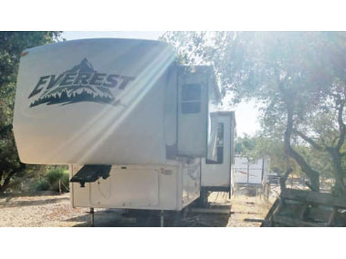 2006 EVEREST 5TH WHEEL 37ft long 4 pop outs elec fireplace separate living room lots of storage