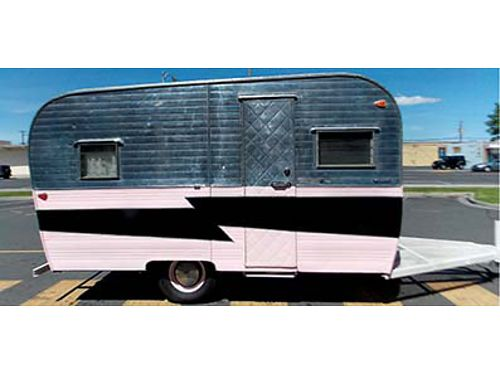1960 KENSKILL TRAILER 15 from to tongue to tall Restored New flooring new curtains Pink white