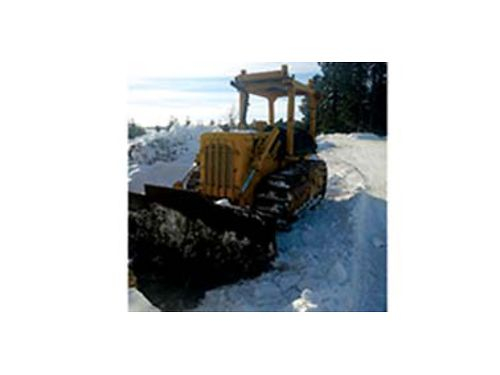 D4D Cat power shift electric start angle dozer this machine has low low hours on it 19500 50