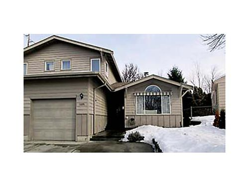 E WENATCHEE TOWNHOUSE 3 bedroom 25 bath fireplace kitchen wnew stainless appliances freshly p