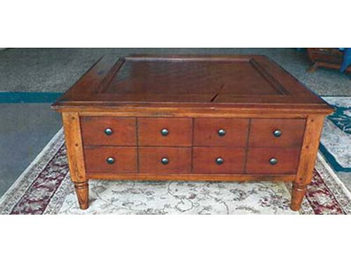 4 DRAWER coffee table 18x40x40 Great for sectional 100 509-860-4759