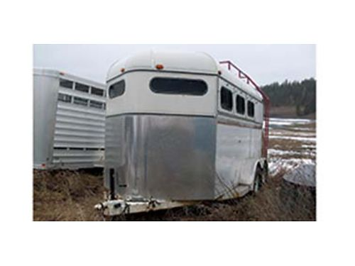 1995 AMERICAN 3 horse slant fully enclosed with tack room hay rack and ladder on top electric bra