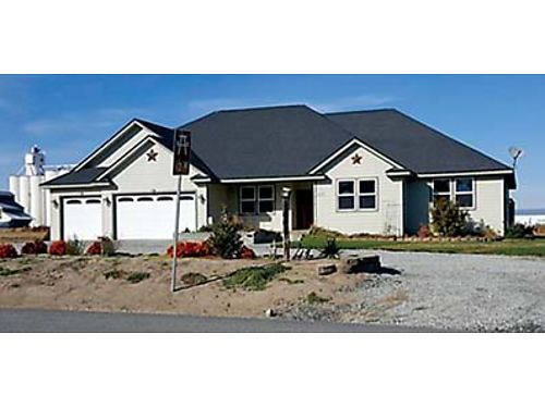 WATERVILLE 3 bed 25 bath rambler on 216 Acres Slate entry granite counters  maple cabinets in k
