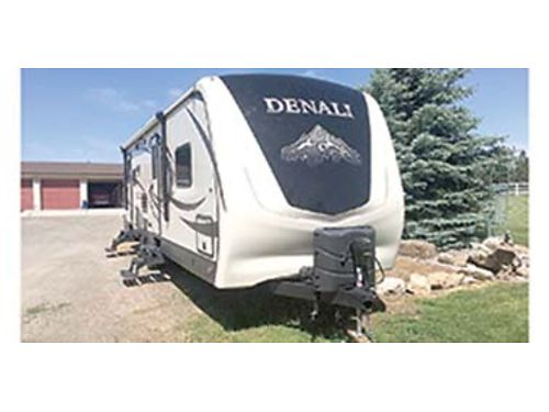 2016 DENALI by Dutchmen 266RL fully loaded light weight winter package sleeps 6 electric awning