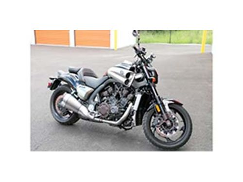 2009 YAMAHA VMAX 4751 miles adult owned 10500 OBO 509-869-9285