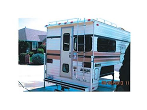 1990 LANCE LC48096 fully self contained propane heater new water heater bathroom with shower