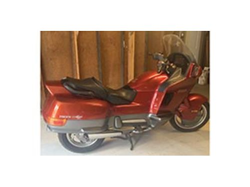 1990 GLORY Candy Red Honda Pacific Coast V Twin 800cc shaft drive 5 speed excellent condition fu