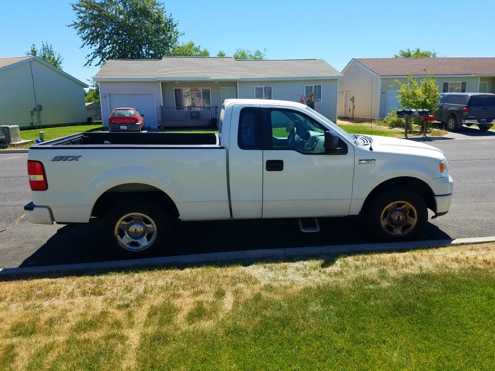 2008 FORD F150 STX extended cab automatic 8 Cyl AC FWD good tires excelle