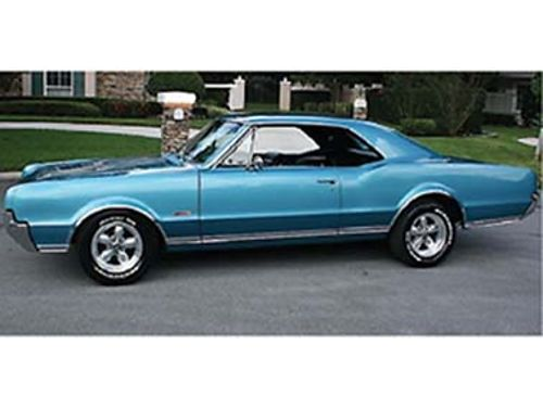 1966 OLDSMOBILE 442 Holiday Deluxe Hardtop Beautiful blue restored show qualit