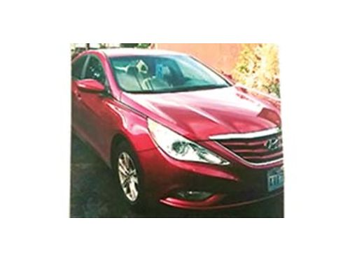 2013 HYUNDAI Sonata Only 28000 miles like new 92000 miles left on warranty 12700 OBO Call 509