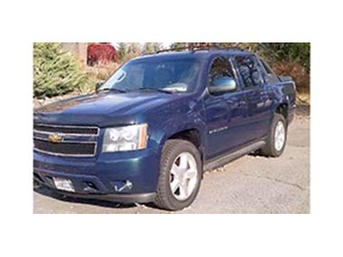 2007 CHEVROLET AVALANCHE AT Vortec engine very clean heated leather seats lo