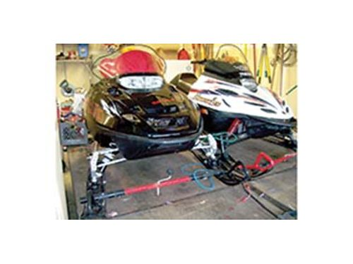 2009 POLARIS RMK Trail  2000 Yamaha Mtn Lite with Paras split deck trailer all